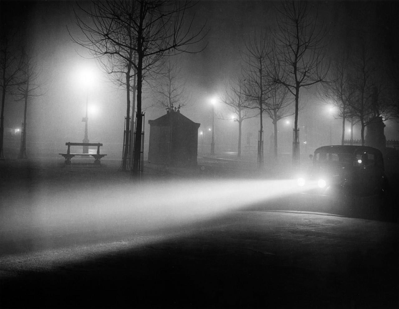Avenue de l'Observatoire dans le brouillard, de Brassaï